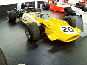 McLaren M9A FWD (1969), Engine 2993cc V8 Ford Cosworth DFV, at the 2012 Donington Collection, RK