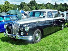 Daimler DR450 Limousine (1967) at Shugborough Hall Car Show, Milford, Staffordshire