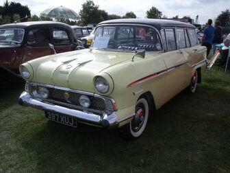Cars show at battlesbridge 062