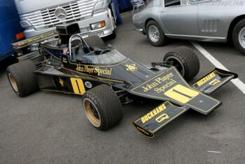 Lotus 76 - Cosworth, Chassis JPS9 at the 2005 Silverstone Classic WM