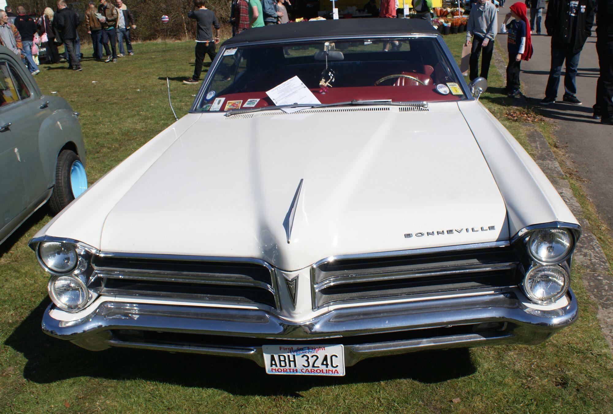 Pontiac Bonneville Classic Cars Wiki Fandom Powered By Wikia 421 Super Duty