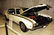 800px-1969 Hurst Olds