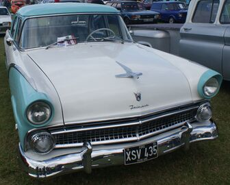 Ford Fairlane 3