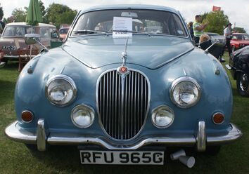 Jaguar Mark 2 front