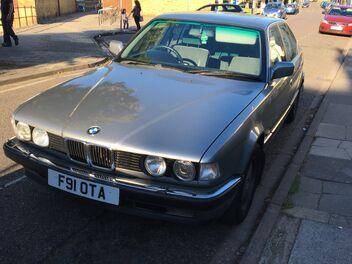 BMW730i