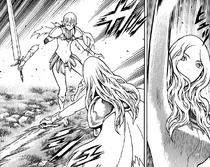 Teresa mentre taglia il braccio destro di Cassandra cap 151