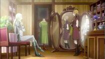 Teresa e Claire nel negozio di vestiti di Rokuto