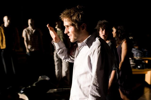 File:Cloverfield Stills-12.jpg