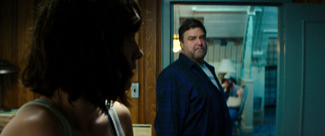 File:10 Cloverfield Lane promo 026.jpg