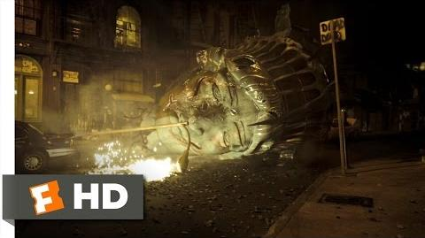 Cloverfield (1 9) Movie CLIP - The Statue of Liberty's Head (2008) HD