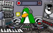 DJ3K with puffle