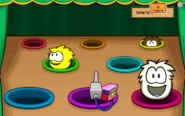 Feed-A-Puffle Gameplay