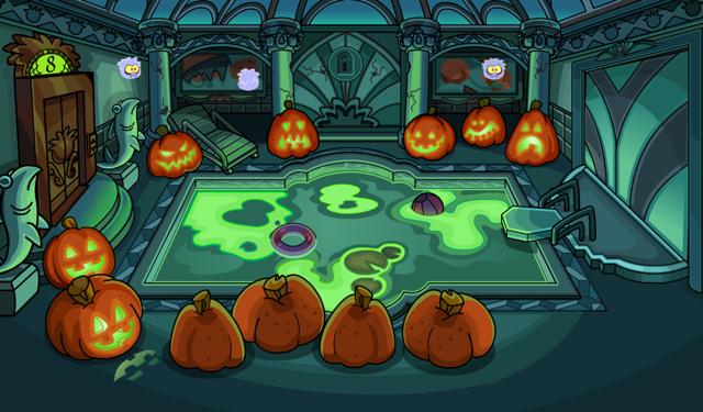 Resultado de imagem para halloween club penguin
