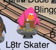 L8tr Skater disfrazado de Herrero