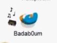 Badab0um bailando con una Radio
