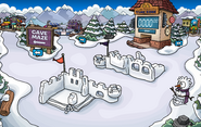 Cave Maze Snow Forts