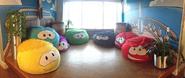 Club Penguin HQ Sala de Puffles