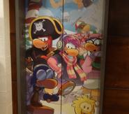 Club Penguin HQ Nuevo Ascensor