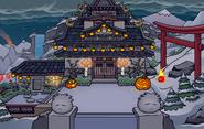 Black Puffle in Halloween Party 2009 Dojo Courtyard