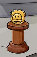 Puffle dorado falso