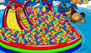 Club-penguin-fall-fair-08-ball-pit