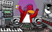 DJ3K - clubpenguin yellow puffle
