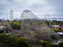 Steel-Vengeance-lift-hill-with-skyline-in-the-background
