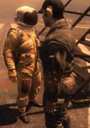 Neitsch hablando con un miembro del USAF CoDBO