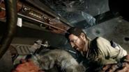 185px-Mason y Woods, agachándose en el tiroteo en el Carro, Operación 40