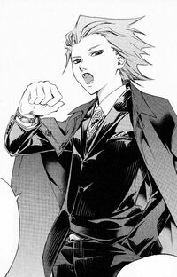 Yuuki w garniturze