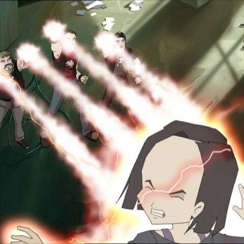 Бајкери покушавају да убију Јуми.