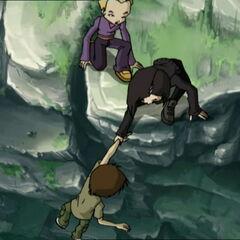 Јуми помаже Улрику.