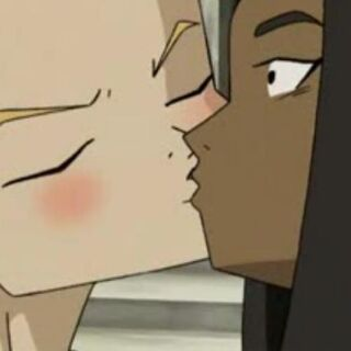 Од целува Саманта.