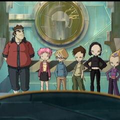 Група испред суперкомпјутера.