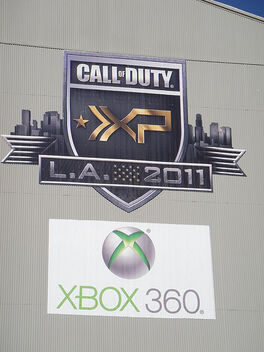 Call of Duty XP 2011 - XP and Xbox 360 logos