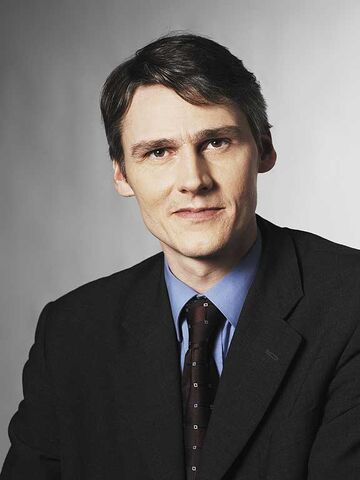 File:Bruce Martin 2010 portrait.jpg