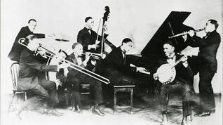 Dead Man Blues - Jelly Roll Morton's Red Hot Peppers - 1926