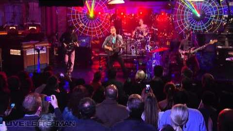 Coldplay - Mylo Xyloto Hurts Like Heaven (Live on Letterman)
