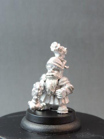 File:DEM070 Dwarf Bear Knights Sergeant with morningstar Front.jpg