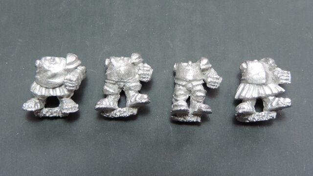 File:Dwarf Knight bodies - front.jpg