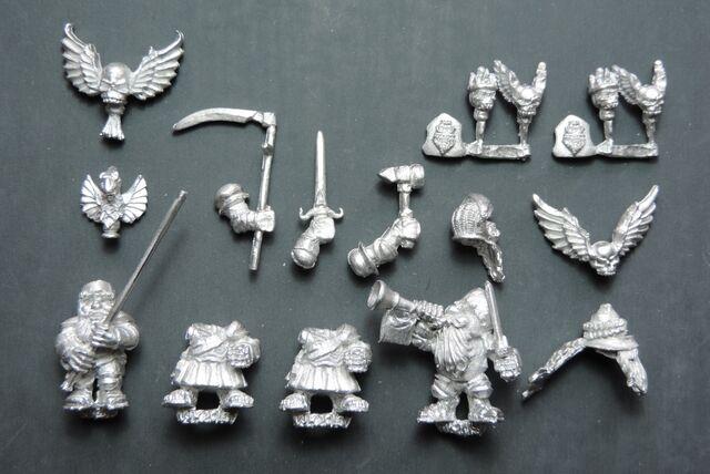 File:DEM069 Dwarf Leib Knight Command on foot.jpg