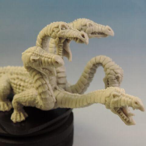 File:WE24 Hydra Heads right.jpg