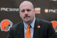 CLEVELAND-BROWNS-COACH-MIKE-PETTINE-300x200