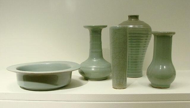 File:Celadon Pottery.jpg