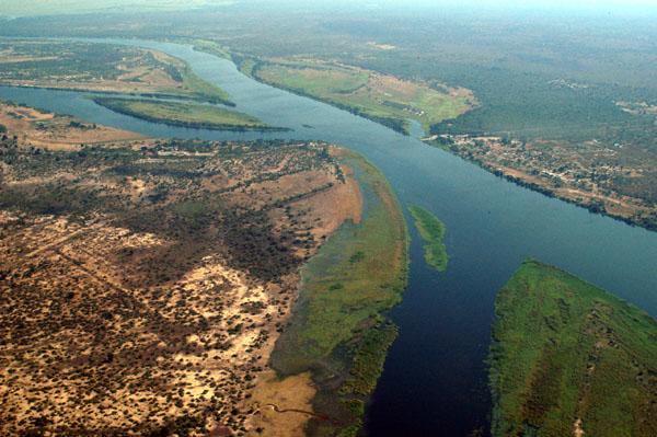 File:Zambezi River.jpg