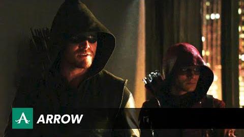 DC COMICS: Arrow (s3 ep05 THE SECRET ORIGIN OF FELICITY SMOAK)