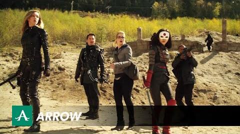 DC COMICS: Arrow (s3 ep22 This Is Your Sword)