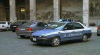 Auto di polizia italiana