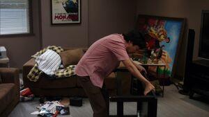 S02E18-Chang with El Tigre portrait