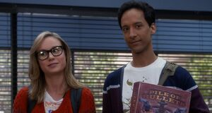 S05E09-Abed and Rachel meet the committee